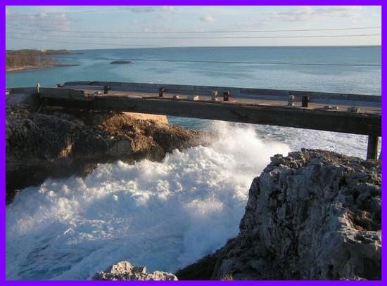 تصاویری از مکان برخورد اقیانوس آتلانتیک و دریای کارائیب.جندی شاپور البرز
